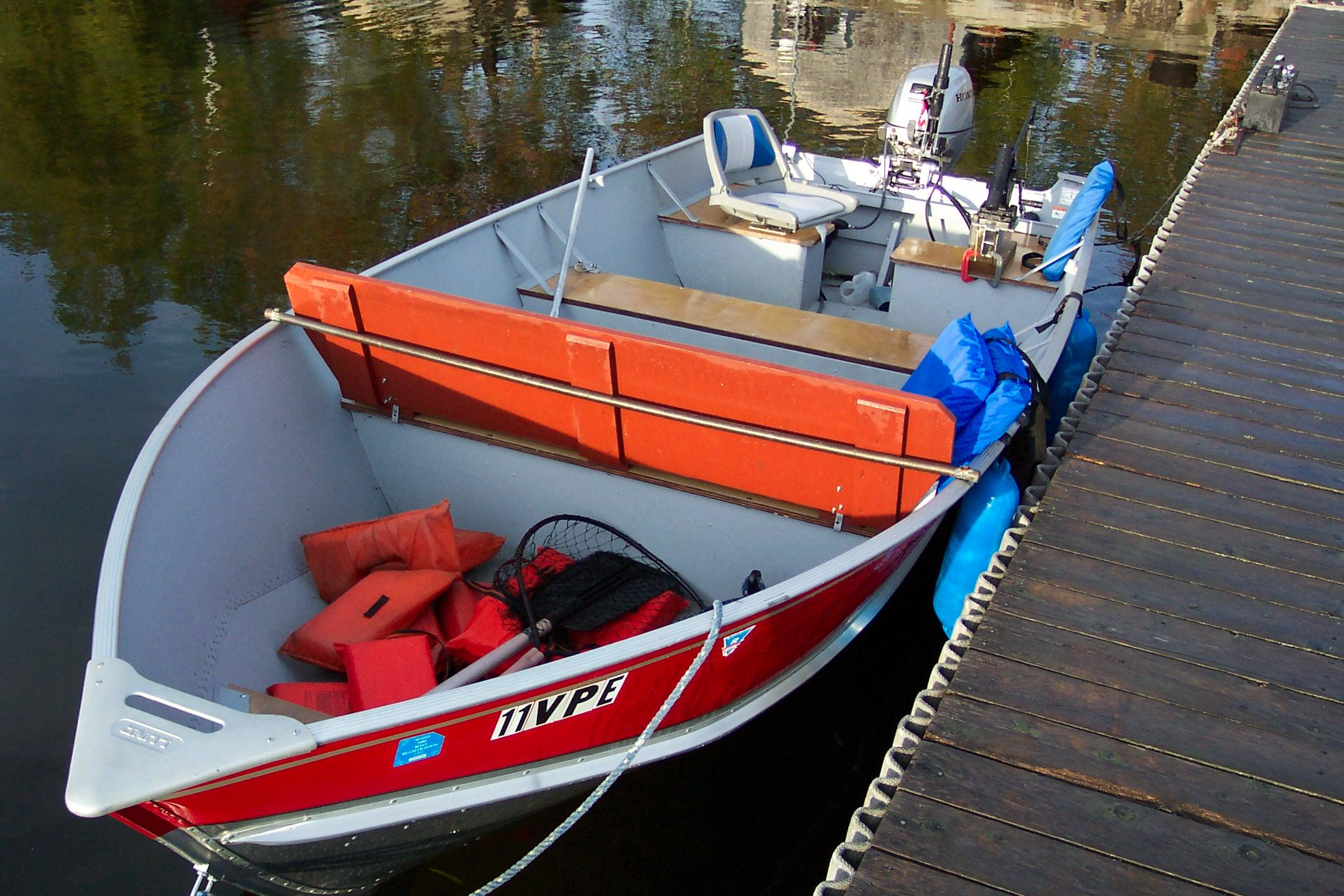 Rideout 39 s lodge boat rentals for Fishing boat rentals near me